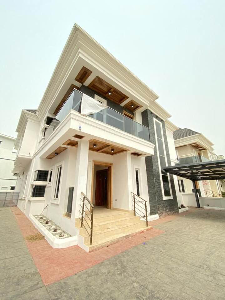 5 Bedroom Detached Duplex