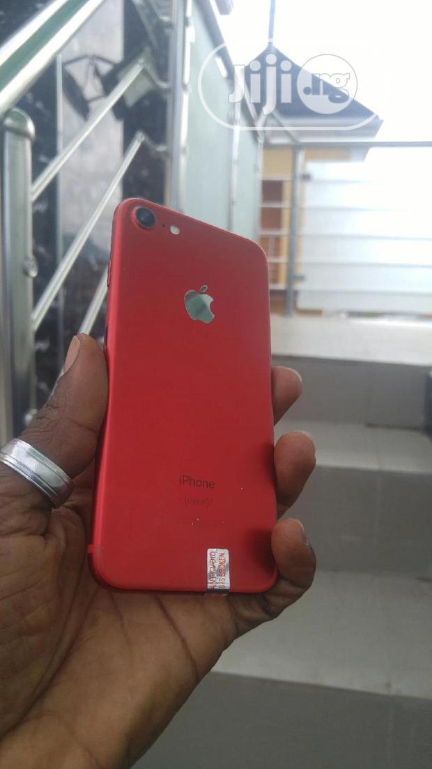 Apple iPhone 7 128 GB Red