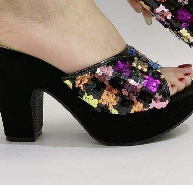 block heel shoes (Sandals)