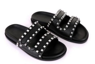 Valentino Rockstud Black Slippers