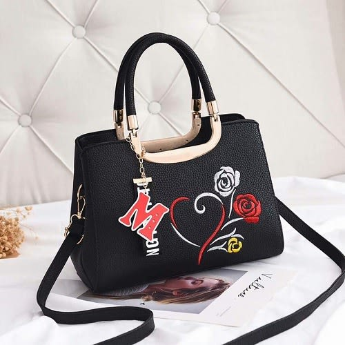 Fastshipping Floral Handbag With M Pendant- Black