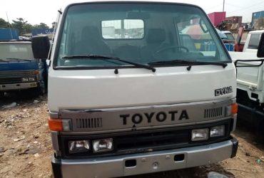 toyota dyna 150 truck