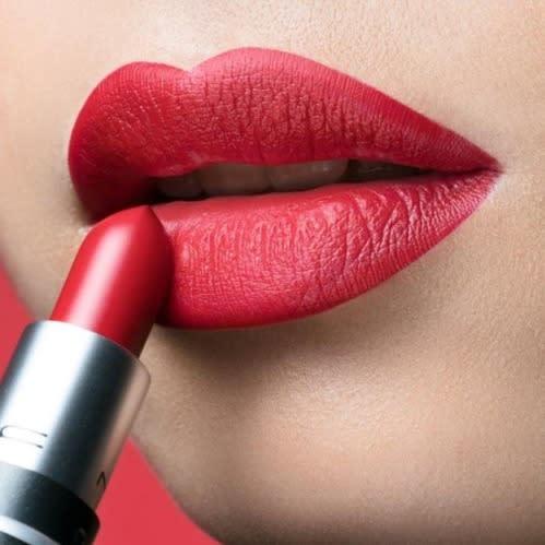 M.A.C M.a.c Retro Matte Lipstick- Ruby Woo