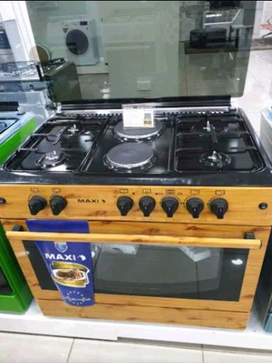 New maxi gas Cooker 4 Burner 2 master rings