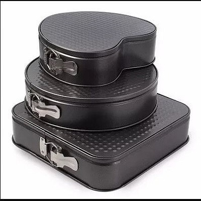 Cake Pan Set With Different Shapes – 3 Pieces