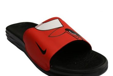 Nike Men's Solar Soft NBA Chicago Bulls Slides