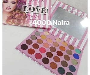 Victoria Secret Love Eye-Shadow Palet.