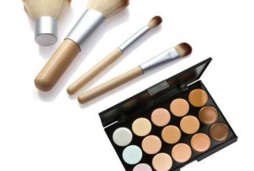 4 Piece Cosmetic Make Up