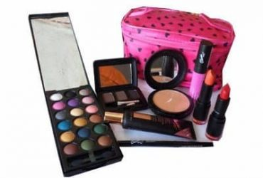 Complete Makup Kit With Free Makeup