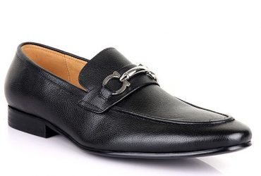 Salvatore Ferragamo Pointed Toe Loafers | Black