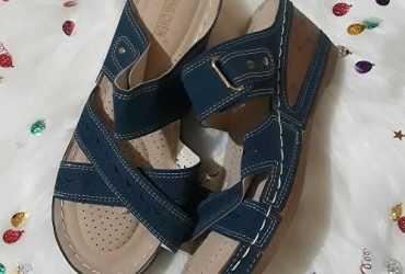 Wedge Slippers- Blu