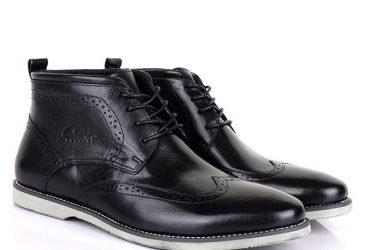 Clarks Ankle Wingtip Boots | Black
