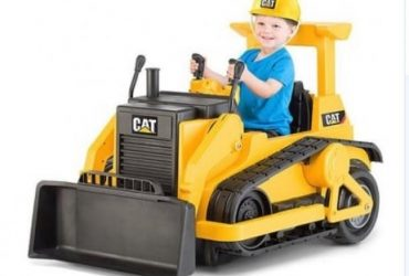 Kid Trax CAT Bull Dozer 12-Volt Batte…