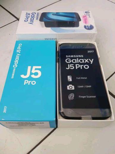 Brand New Samsung galaxy j5 pro
