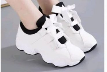 Ladies Sneakers – White